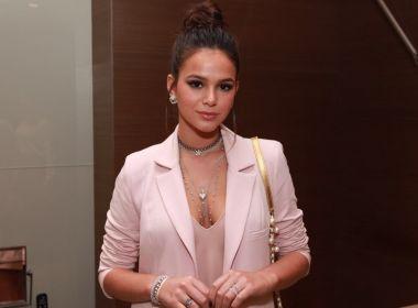 Fora do 'raio' da crise econômica, Marquezine confessa: 'Estou numa fase de comprar joias'