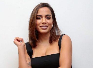 Anitta espalha peças de Xadrez no Elevador Lacerda para anunciar novo clipe