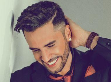Mãe de filha de Latino fala sobre descaso do cantor: 'Manda dinheiro um mês, aí some dois'