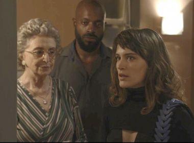 Clara arma para Adinéia flagrar Samuel e Cido nesta quarta em 'O Outro Lado'