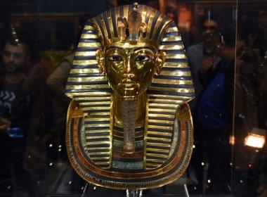 Egito processará funcionários por reparo 'caseiro' em máscara de Tutancâmon