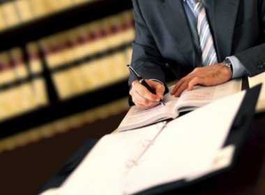 Juiz pode ser acionista em curso preparatório para Exame de Ordem