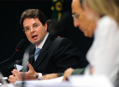 CNJ aposenta Juiz Vitor Bizerra por usar cargo para defender interesses pessoais em Sento Sé