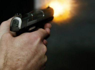 Camaçari: Cigano é morto à tiros por dois ciganos; Crime teria sido motivado por dívida