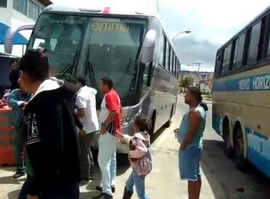 Conquista: Passageiros se revoltam após apreensão de ônibus por prefeitura