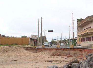 Mucuri: Avanço do mar causa estragos; prefeito diz que 15 imóveis já desabaram em 3 anos