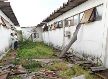 Chuva de granizo causa prejuízo em Paramirim; hospital é alagado e destelhado