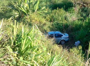 Turistas mineiros morrem a caminho de Porto Seguro após carro cair em ribanceira