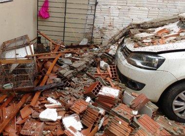 Senhor do Bonfim: Chuvas fazem teto de casa desabar e ferir crianças