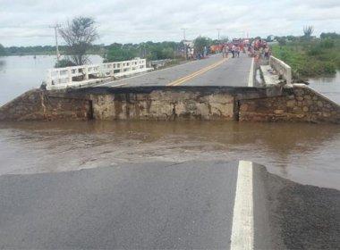 Riachão: Ponte que rompeu após chuva é reconstruída e liberada