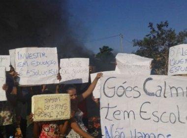 Simões Filho: Mães protestam contra falta de vagas em escolas do município