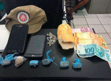Mucuri: PM prende homem e apreende menores suspeitos de vender drogas em pão