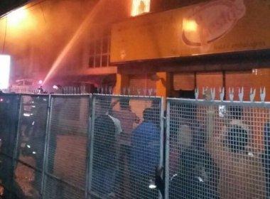 Incêndio atinge lojas de centro comercial em Feira de Santana