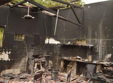 Feira: Duas chácaras em distrito são arrombadas e incendiadas