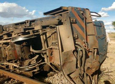 Santaluz: Trem sai dos trilhos e tomba em zona rural