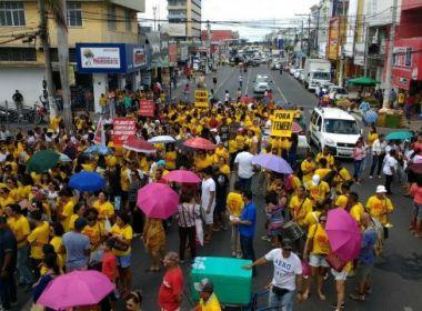 Feira: Protesto suspende votação de projeto que muda previdência municipal