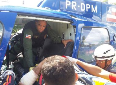 Mata de São João: Graer socorre vítima de colisão entre ônibus e carro
