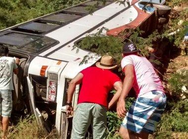 Mulher morre em acidente de ônibus na BA-148, entre Rio de Contas e Livramento