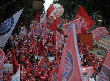 Parte de movimentos sociais já admite queda de Dilma