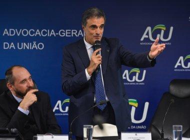 Cardozo entrega defesa de Dilma à comissão do impeachment na próxima segunda