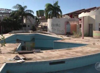 Hotel oferecido por Youssef à Justiça em Santa Cruz Cabrália tem focos água parada