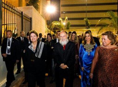 Buscando apoio de religiosos, Dilma Rousseff telefona a Edir Macedo