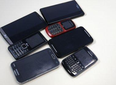 Bloqueio de celulares roubados pode ser feito em delegacias