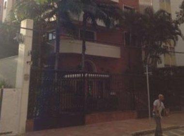 Grupo finge ser da PF para fazer arrastão em prédio de preso da Lava Jato