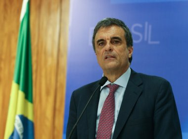Em última defesa de Dilma, Cardozo reafirma que não há crime e chama processo de 'golpe'