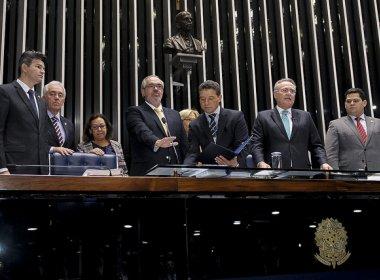 Suplente de Walter Pinheiro, Roberto Muniz toma posse no Senado