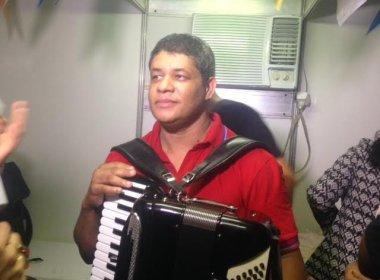 Cicinho de Assis questiona cancelamento de show: 'Sempre toquei em Senhor do Bonfim'