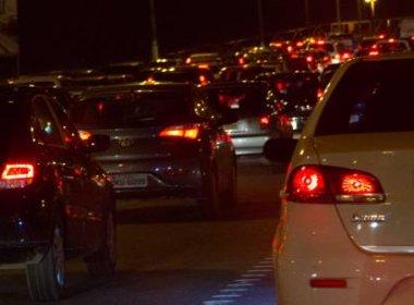 Troca de transformador de energia deixa trânsito congestionado na região do Iguatemi