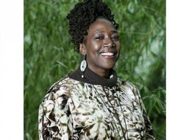 Ativista norte-americana discute política de drogas, racismo e encarceramento na Bahia