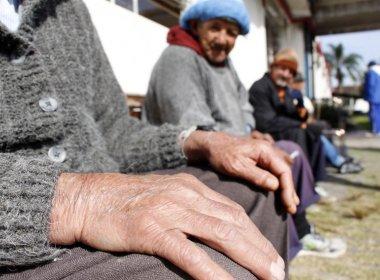 Brasileiros acreditam que homens deveriam se aposentar aos 58 anos e mulher aos 53