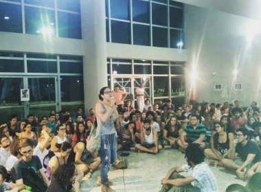 Em protesto, estudantes secundaristas ocupam 437 instituições de ensino