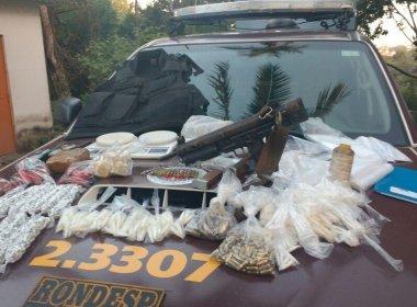 PM encontra metralhadora, dois quilos de droga e 190 munições em Águas Claras