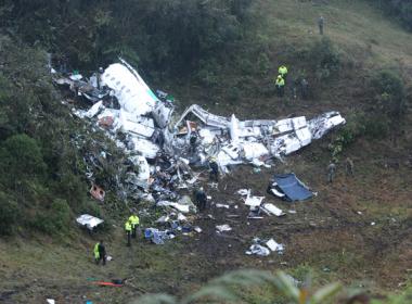 Avião da Chapecoense fez trajeto diferente do informado, diz autoridade colombiana