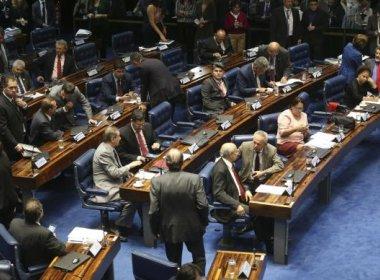 Senado rejeita destaques de PEC e mantém Saúde, Educação e salário mínimo sob teto