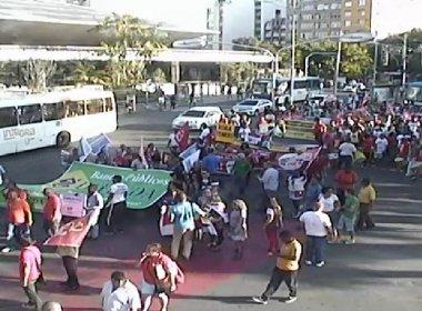 Manifestantes protestam em Salvador contra aprovação da PEC do teto de gastos