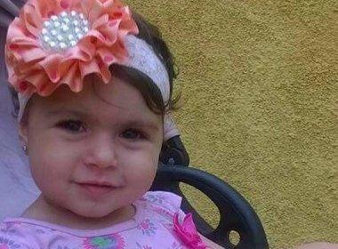 Filha de PM, criança de 2 anos morre atingida por bala perdida no Rio de Janeiro