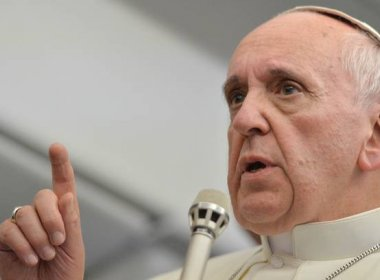 Papa critica sonegação de impostos e evasão de divisas: 'negam lei da vida'