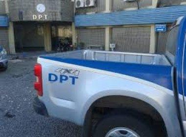 Duas mulheres morrem em acidente com picape e carreta na BR-324