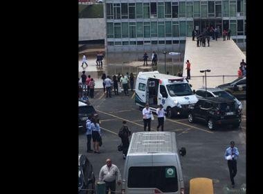 Homem cai do 19º andar do prédio do Congresso; polícia investiga