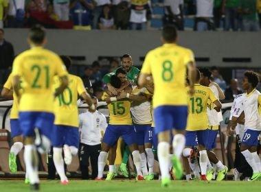 Paulinho marca três e Brasil goleia Uruguai no Centenário