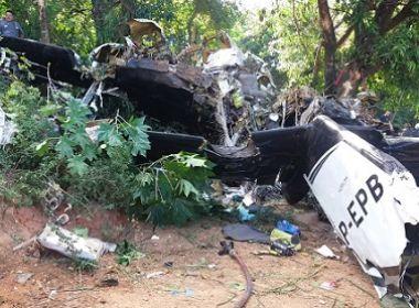Avião de pequeno porte cai em Sorocaba e casal de tripulantes morre no local