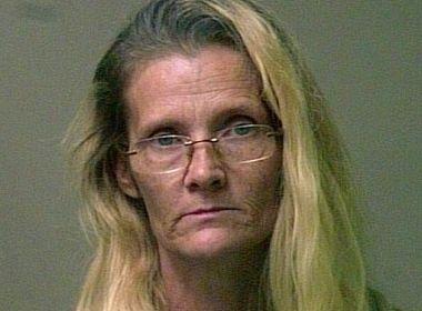Avó é condenada à prisão perpétua por torturar neta com fantasia de bruxa