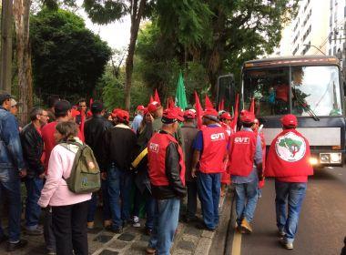 PRF aborda 168 ônibus com manifestantes a caminho de Curitiba