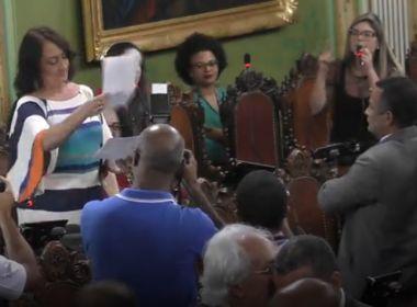 Ana Rita e Marcelle trocam acusações sobre funcionário fantasma e clínica irregular