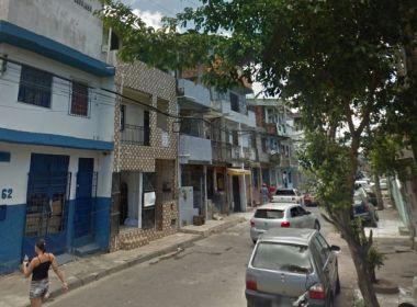 Idosa com Alzheimer é encontrada por policiais e reencontra família em Salvador