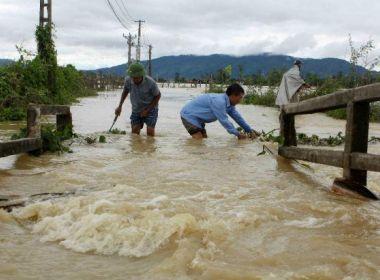 Inundações e deslizamentos deixam ao menos 37 mortos e 40 desaparecidos no Vietnã